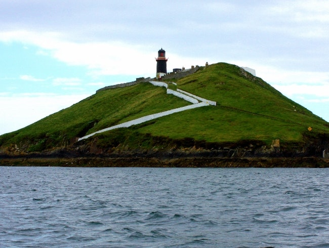 Take an island and lighthouse tour