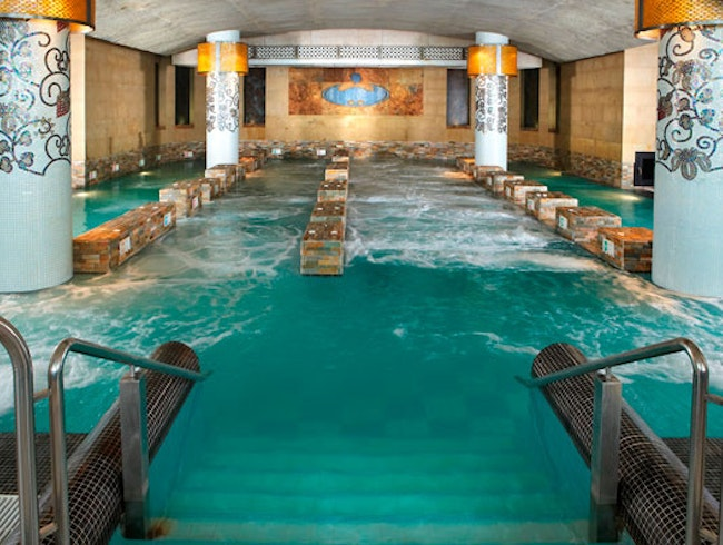 Luxury Spa Experience Overlooking La Concha