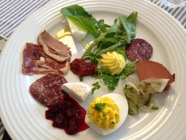 Farm-to-table lunch in Cork
