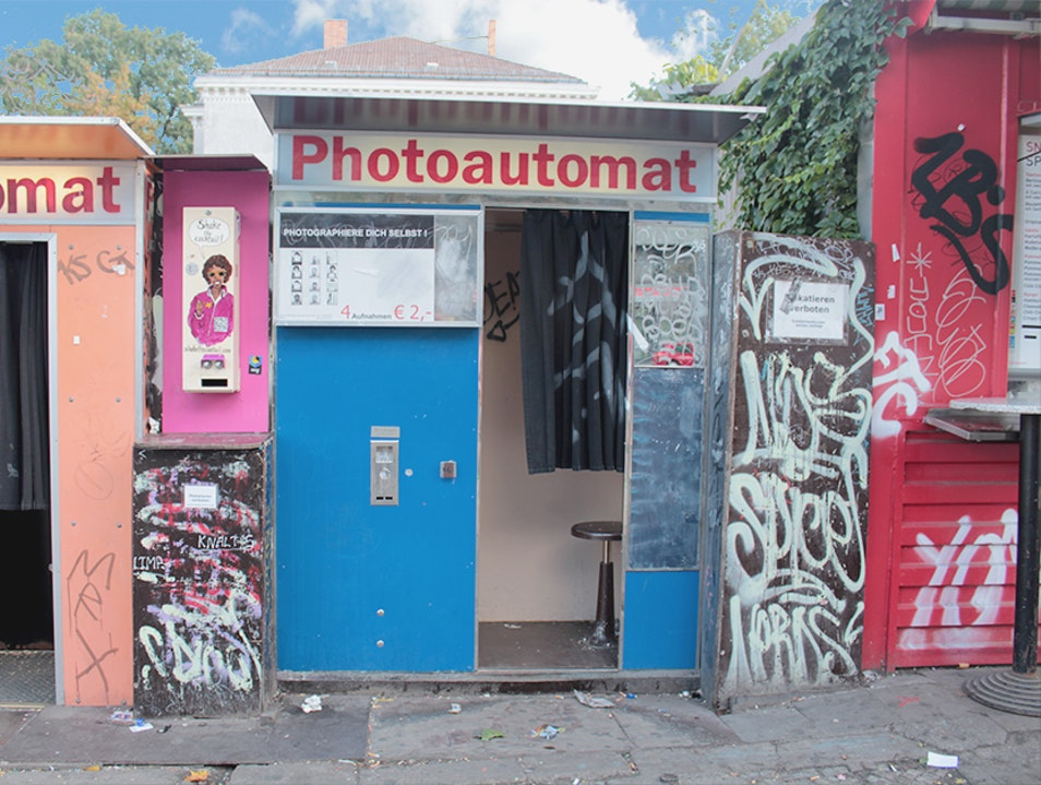 Taking Goofy Photos in the Photoautomat Berlin  Germany
