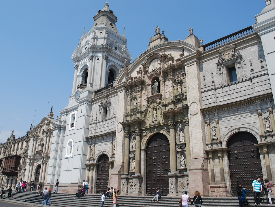 Visiting the remains of Pizzaro in the Cathedral of Lima.