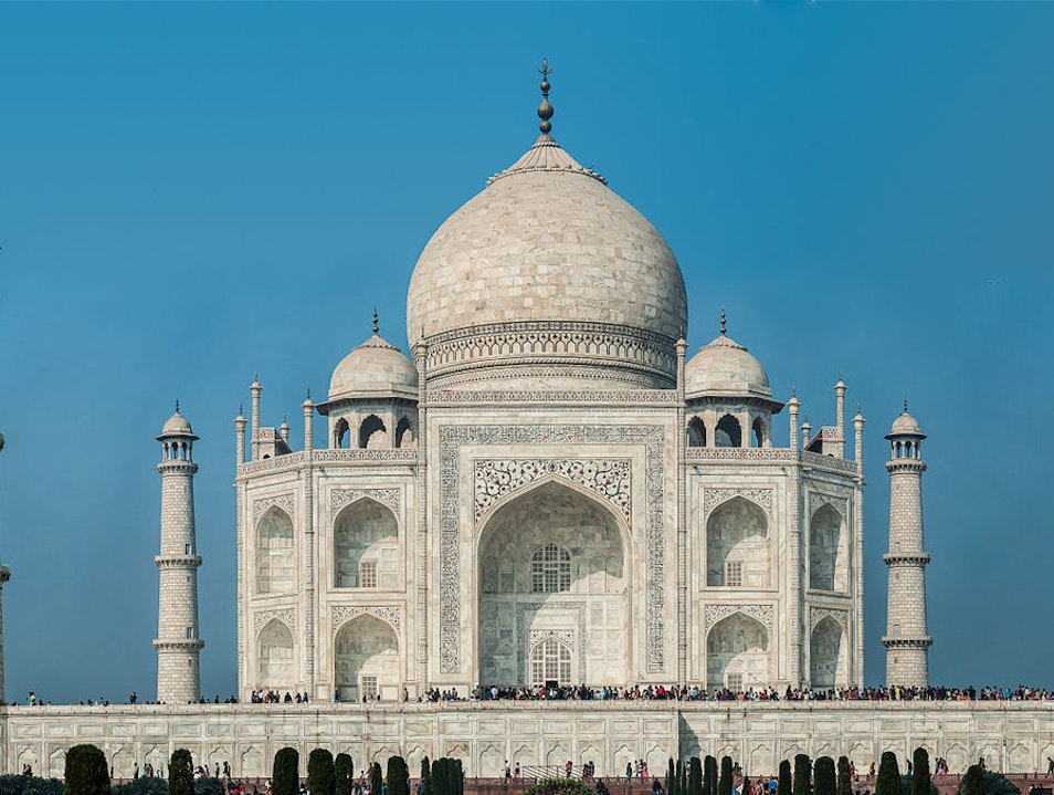 Hire a Car for Same day Taj Mahal Trip