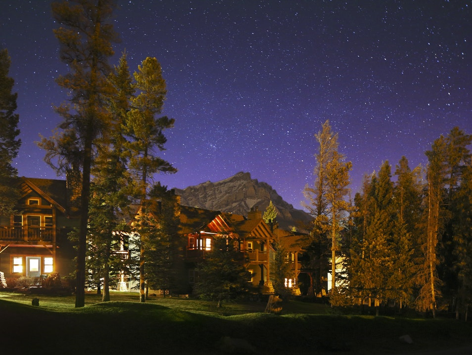 Buffalo Mountain Lodge Banff  Canada