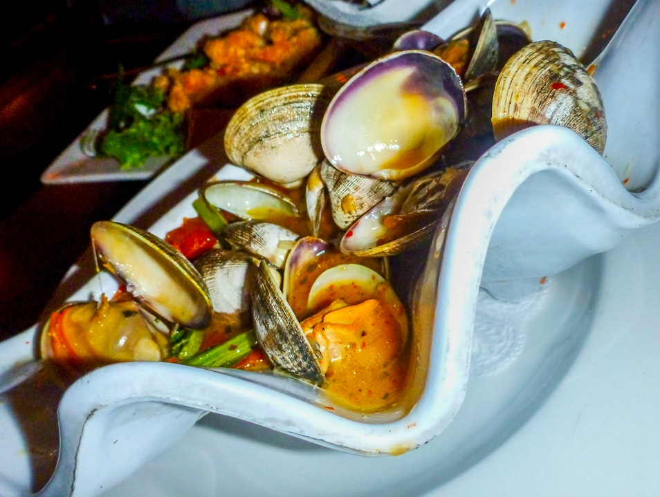 Uncle Bo's Knows Clams Haleiwa Hawaii United States