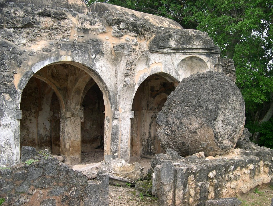 Explore the crumbling ruins of Kilwa Kisiwani & Songo Mnara