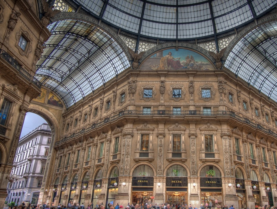 Open-Air Shopping in Central Milan  Milan  Italy