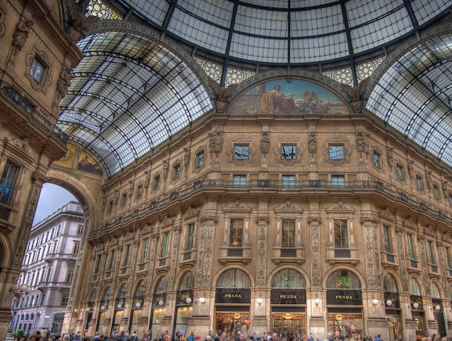 Open-Air Shopping in Central Milan