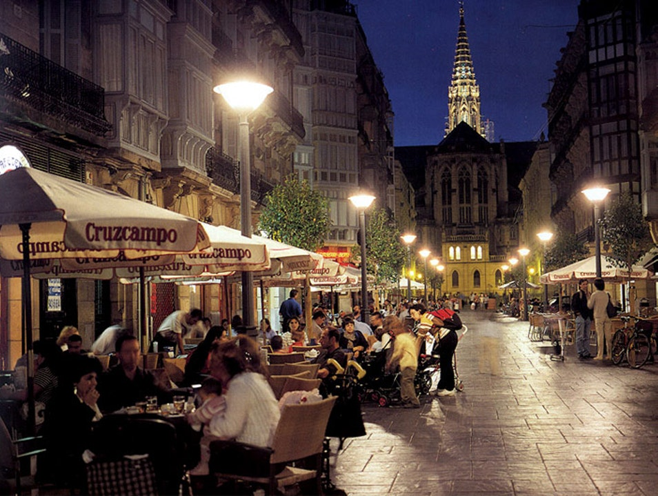 Drinking on Reyes, a Citywide Pastime Donostia  Spain