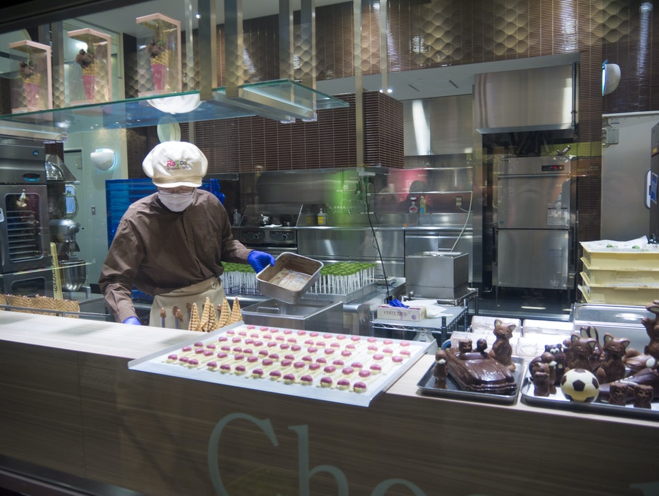 The Making of Real Good Chocolate at the Airport Chitose  Japan