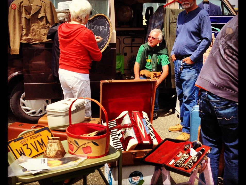 Spend Your First Sunday Antiquing in Alameda