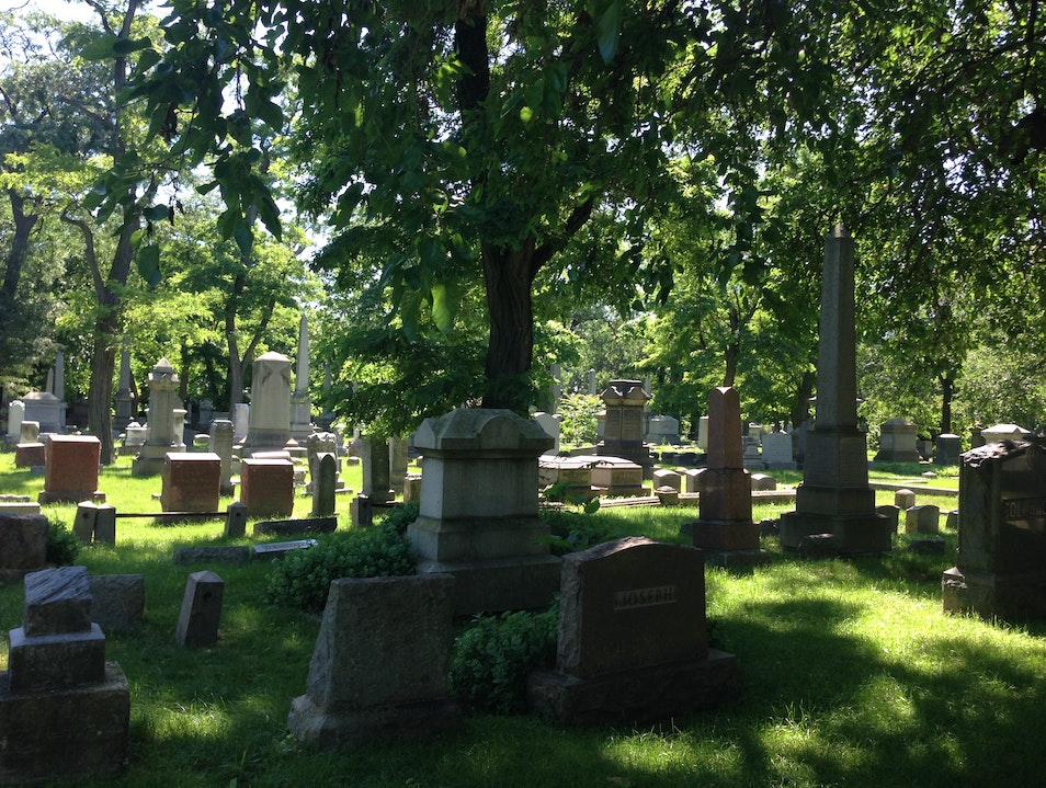 Explore one of Chicago's oldest cemeteries on the North-side Chicago Illinois United States