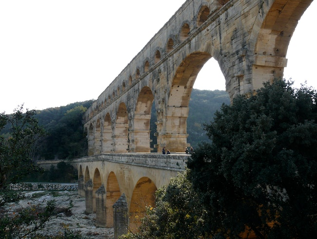 Ancient Roman aqueduct bridge