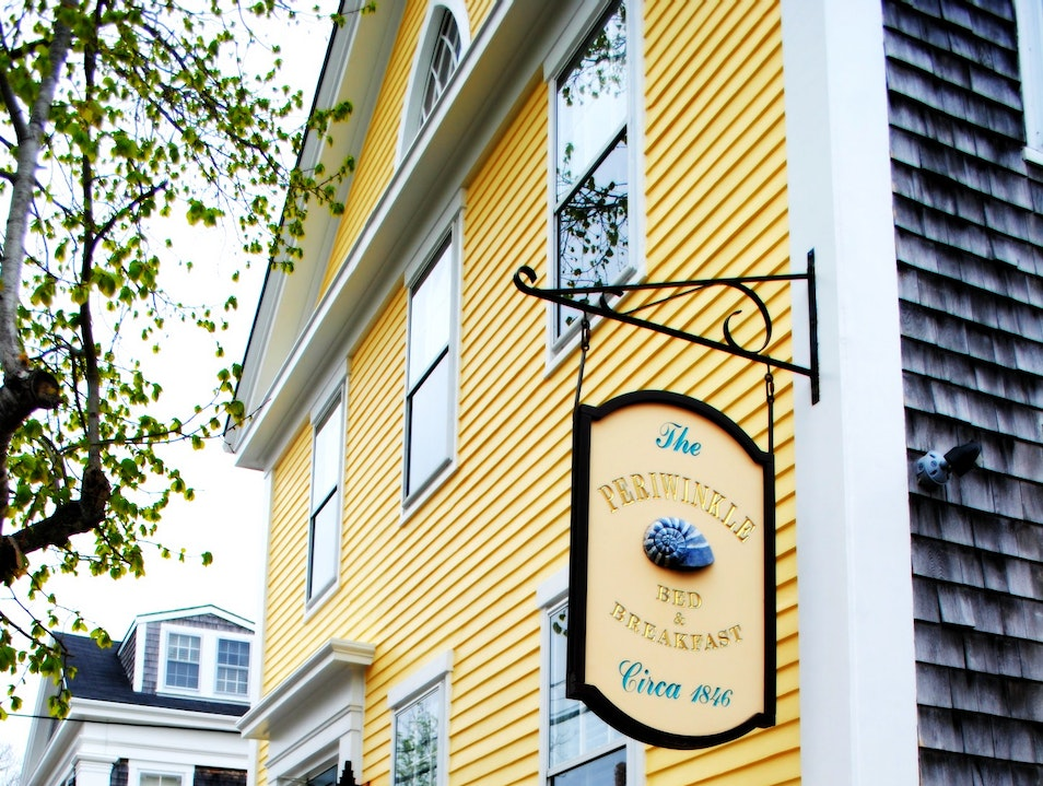 Charming and Chic: Nantucket's Periwinkle B&B Nantucket Massachusetts United States
