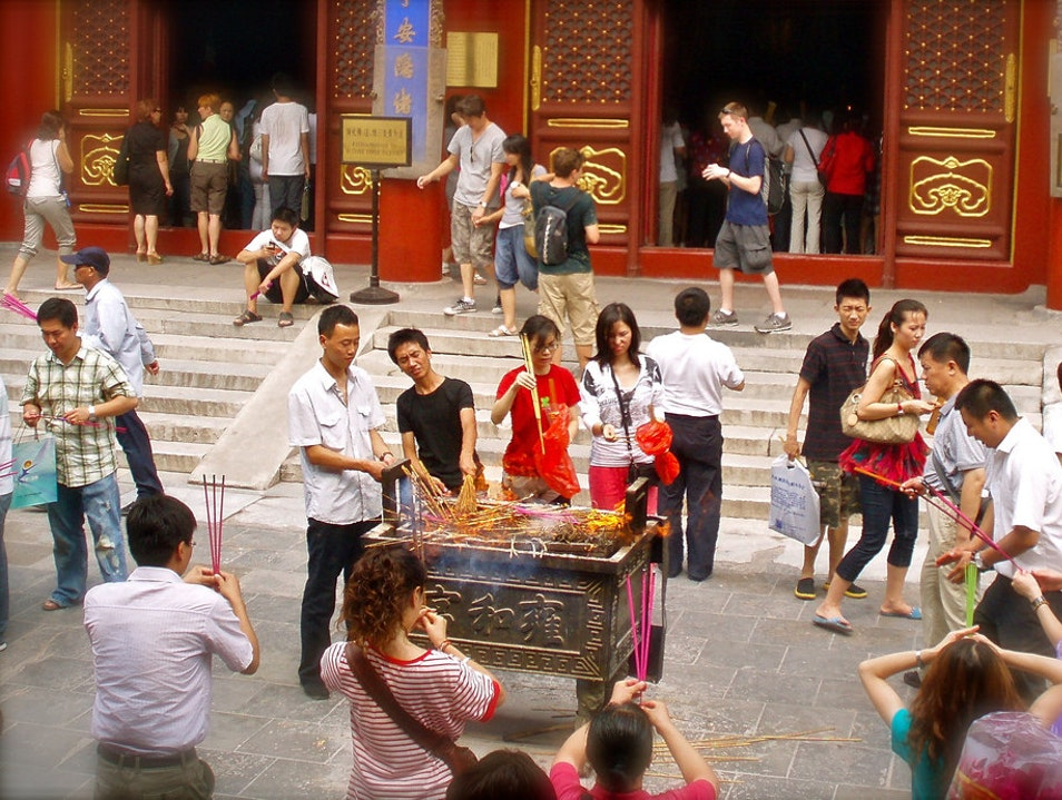 Discover Chinese Religious Practices in the City Center