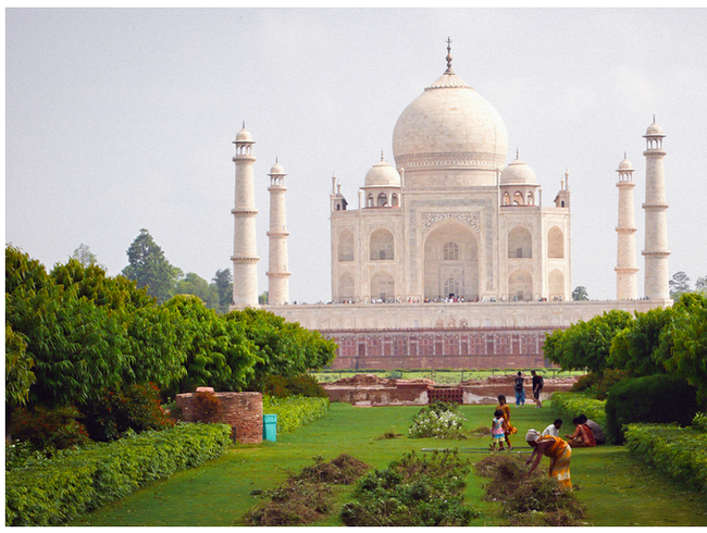The Moonlight Gardens, north of the Taj Mahal