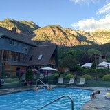 Twin Peaks Lodge & Hot Springs