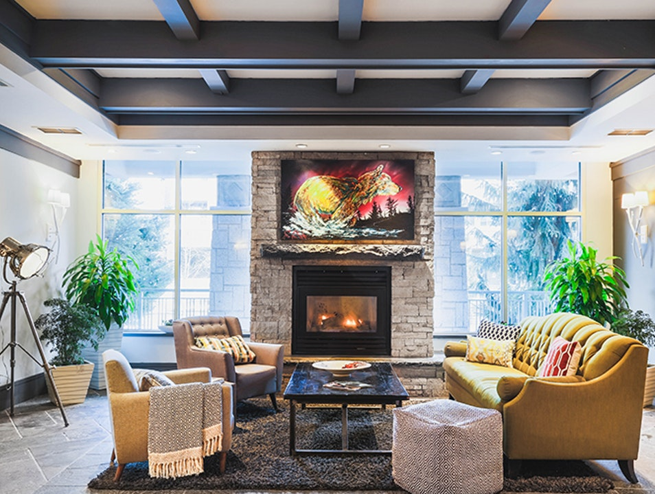 Summit Lodge Boutique Hotel Whistler  Canada