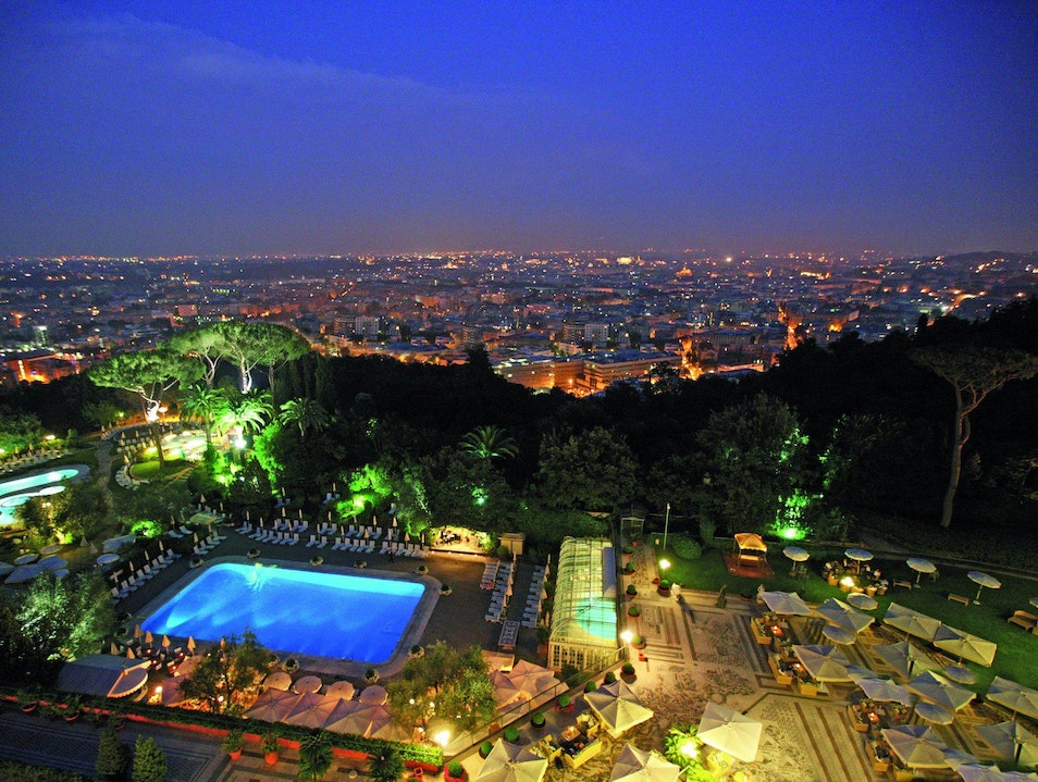 Couples' Spas and pampering / Sexiest pools Rome  Italy