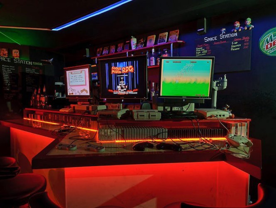 Video Game Bar Space Station Chūō Ku  Japan