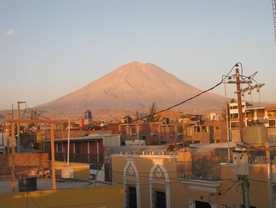 When the moon separated the earth, it forgot to take Arequipa