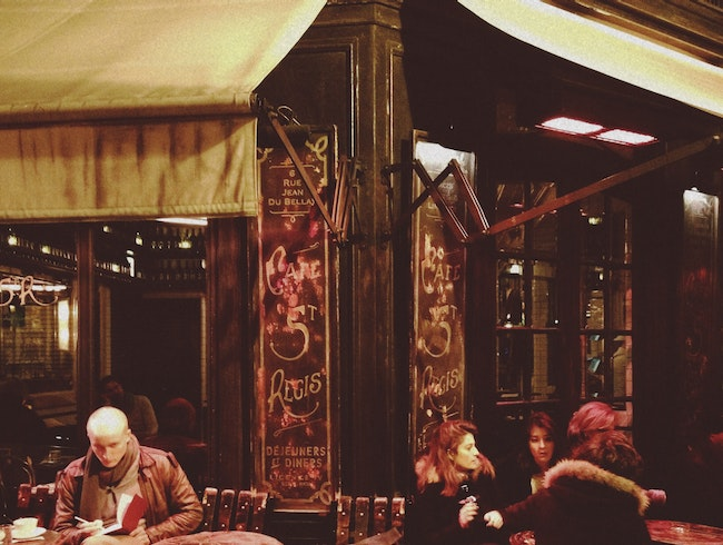 The Legendary St. Régis Café of Paris' Ile Saint-Louis
