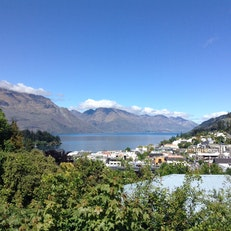 Queenstown House Boutique Bed & Breakfast and Apartmentss