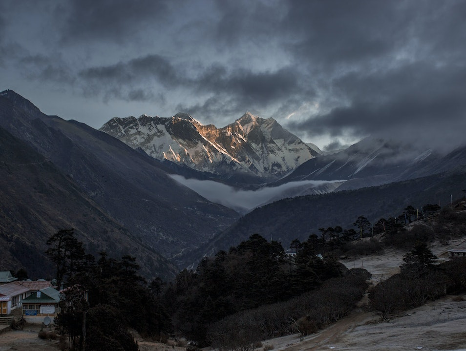 312 Hours Without a Shower, One Sunrise on Mount Everest Khumjung  Nepal