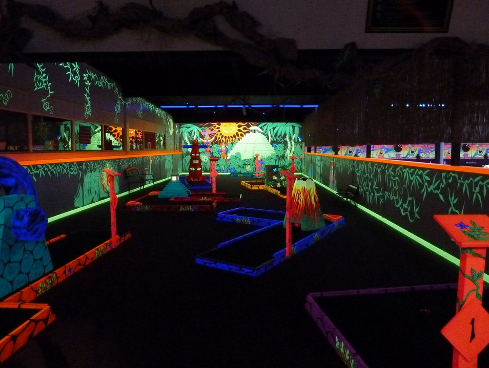 Black Light Mini Golf Aberdeen Washington United States