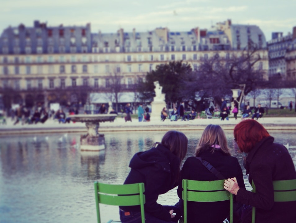 Unwind in the Tuileries  Paris  France