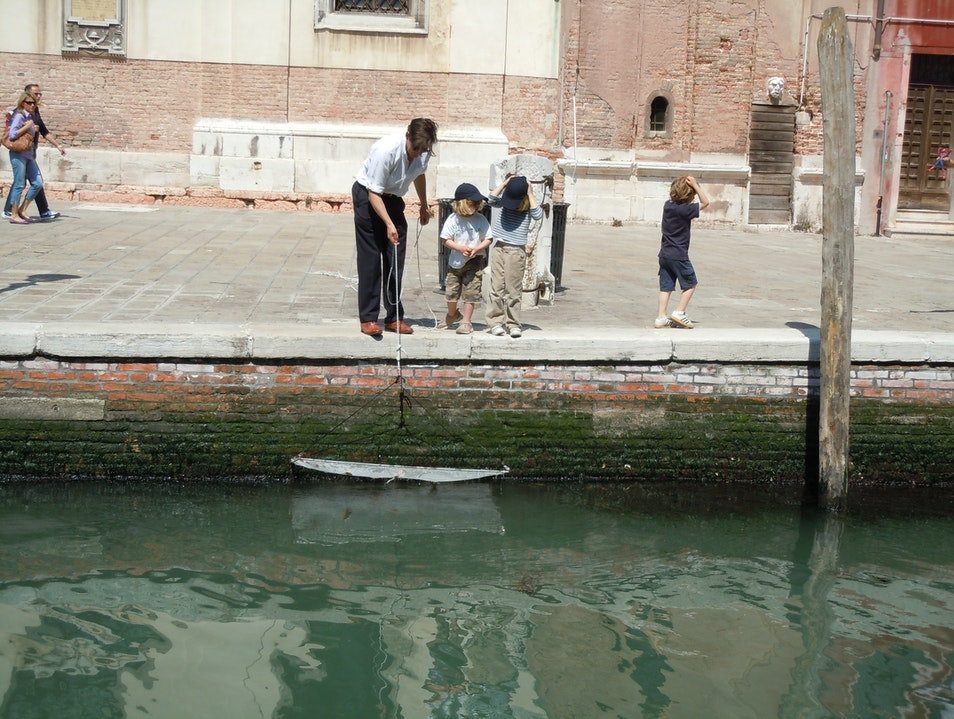 Fishing for Crab in Venice