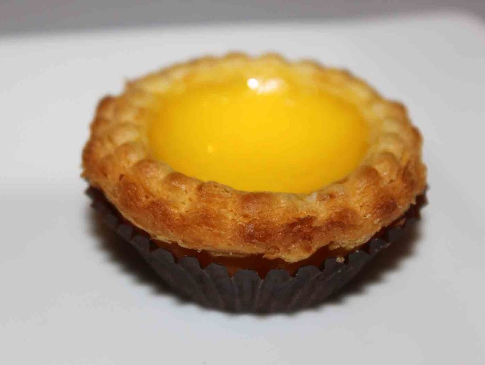 Oakland's Legendary Palace - Don't worry about the service, don't miss the egg tart!