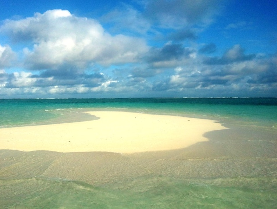 Magically appearing sandbar   Fiji