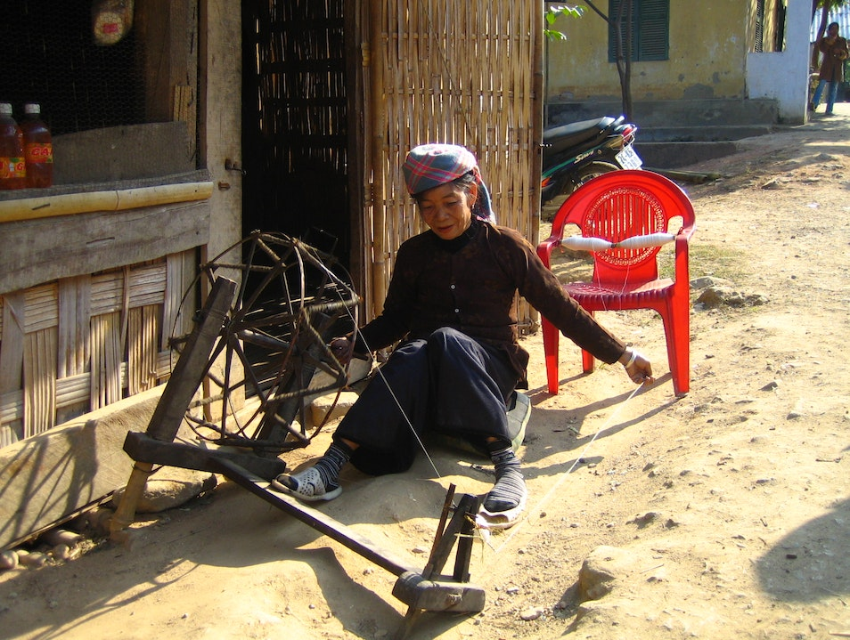 Lady Weaving on the Sapa Valley Cat Cat Village