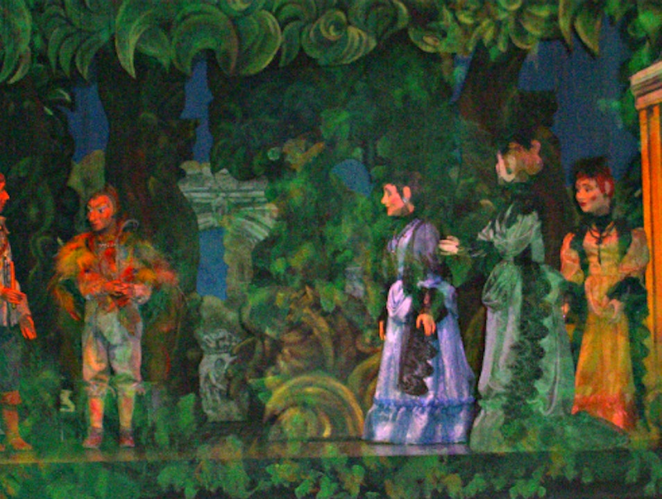 Watching Mozart's Magic Flute Opera With Historic Puppets