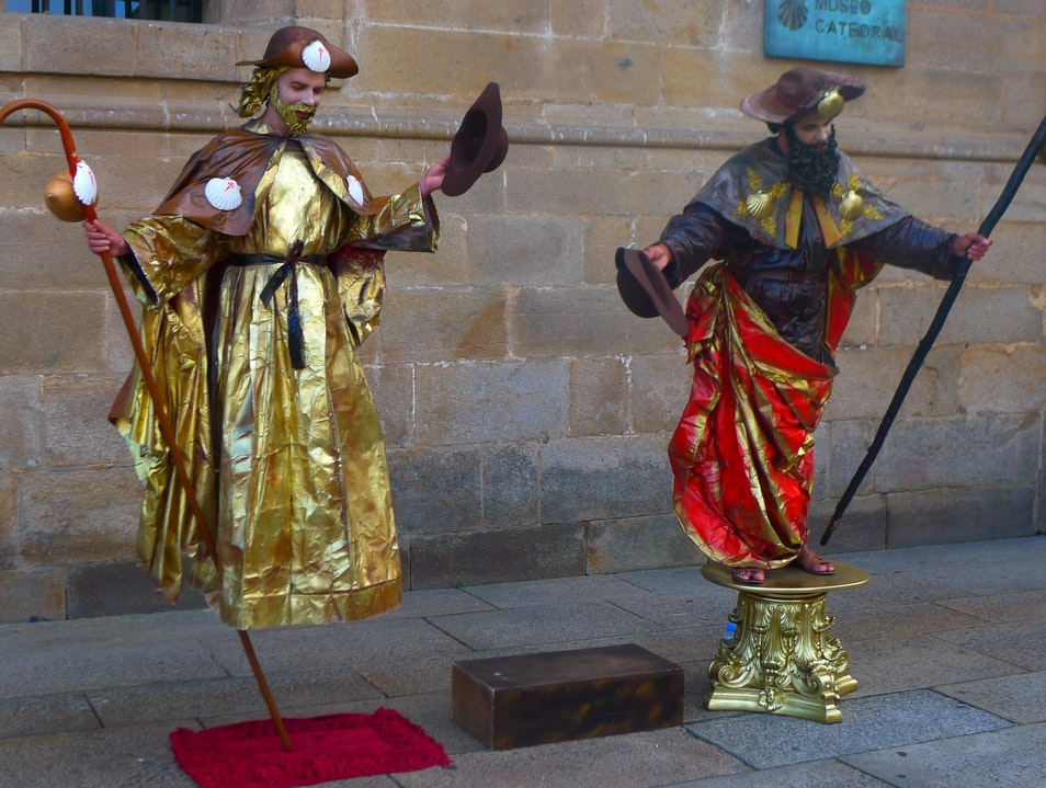 Mime artists welcome pilgrims to Santiago Santiago de Compostela  Spain
