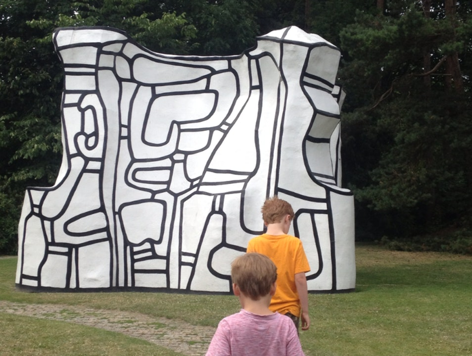 Modern Art Outing with Kids near Copenhagen Humlebæk  Denmark