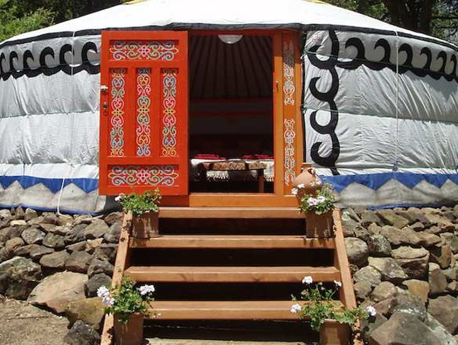 Nomadic Lodgings: Hoopoe Yurt Hotel in Andalucía, Spain
