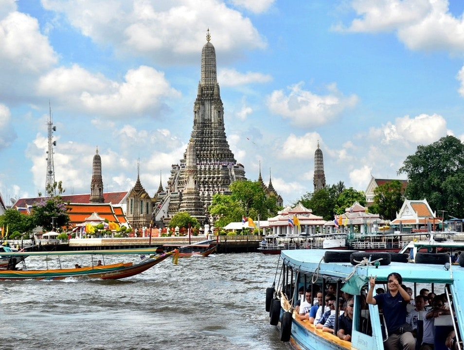 Cruising along the Chao Phraya River  Bang Sai  Thailand
