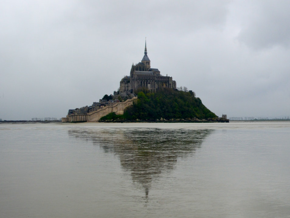 Touching a Mirage: Mont Saint-Michel