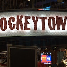Hockeytown Café