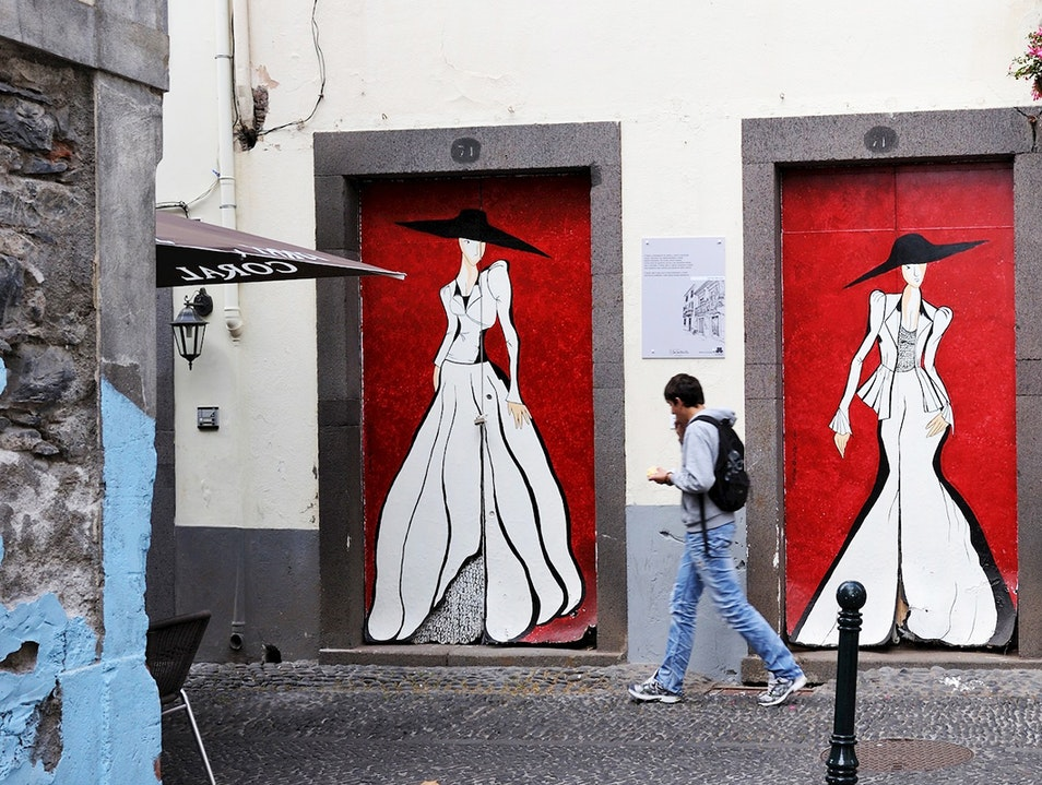 Painted doors of Santa Maria Street