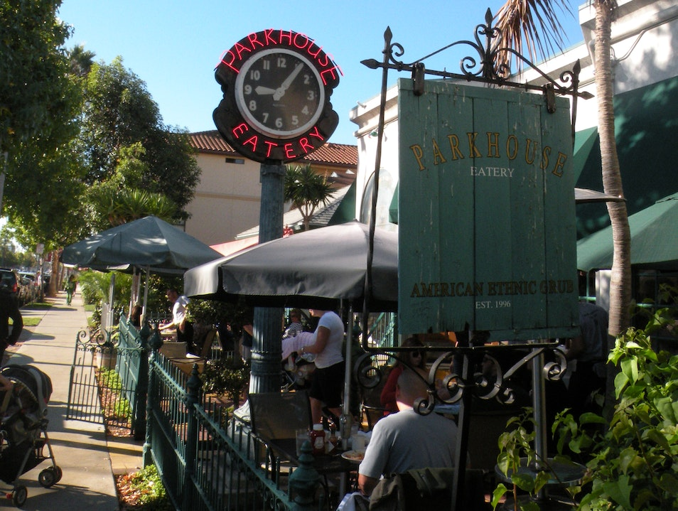 Great American cafe for breakfast, lunch or dinner