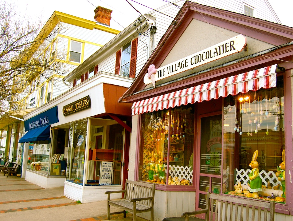 Get all Gilmore Girls-y in Guilford