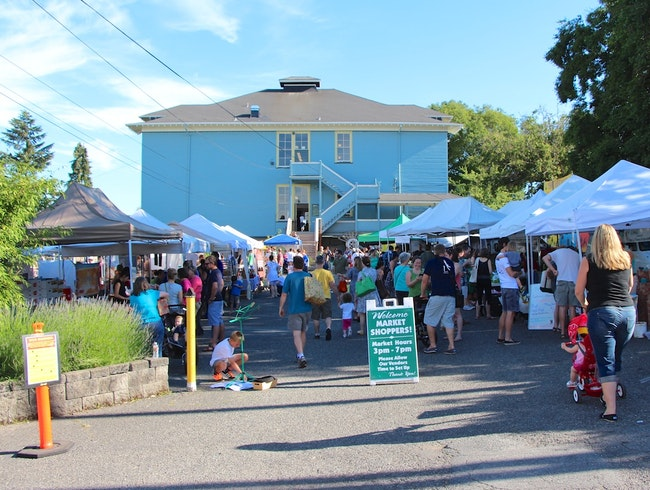 Eat Like A Local At The Phinney Farmers Market