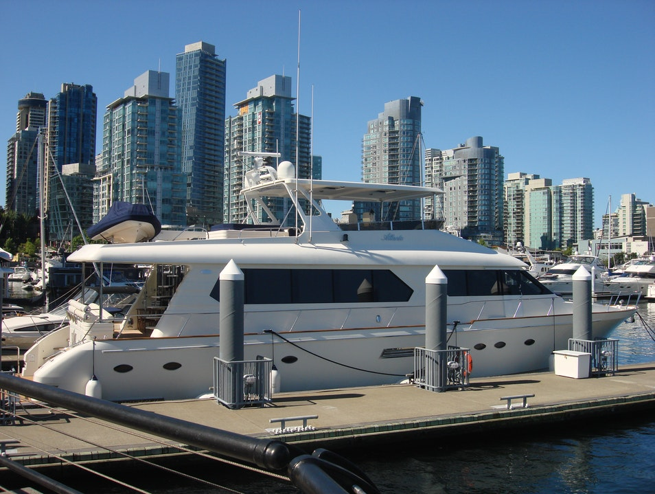 Coal Harbour: Yachts And Million Dollar Condos Side By Side Vancouver  Canada
