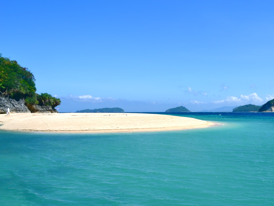 Exploring an Islet in Sipalay   Philippines