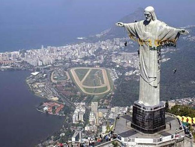 Christ the redeemer - Tourist Attractions In Rio De Janeiro