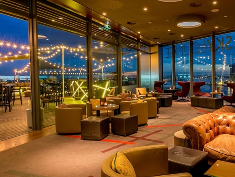 Slick Business Hotel Has Every Amenity For Leisure Traveler