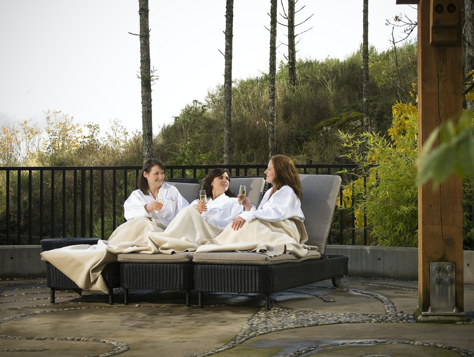 Relax at the Sante Spa Victoria  Canada