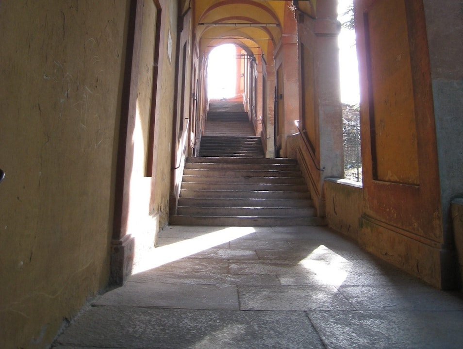 Il Portico - A Walk-up Like No Other Bologna  Italy